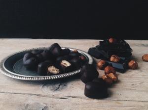 Cioccolatini homemade ( con caramello salato e nocciole tostate)